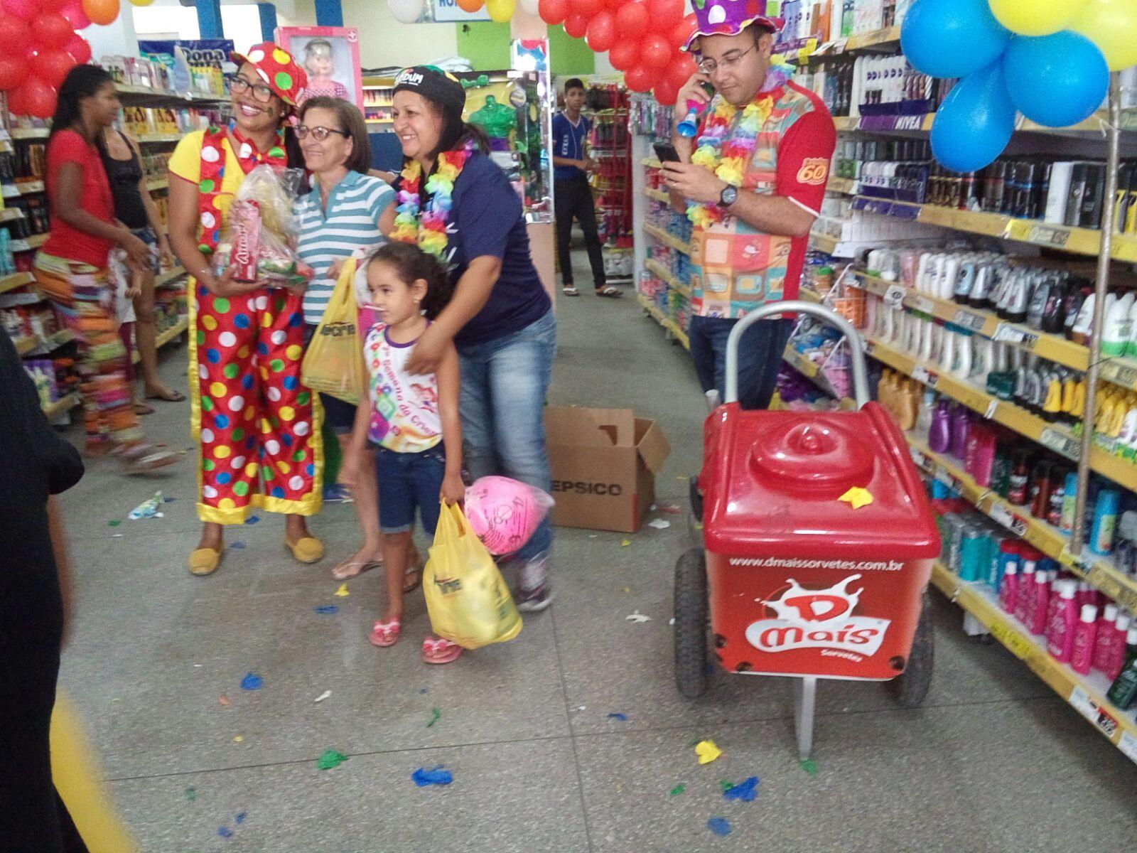 Dias das crianças 2015 em super mercado - Dmais Sorvetes